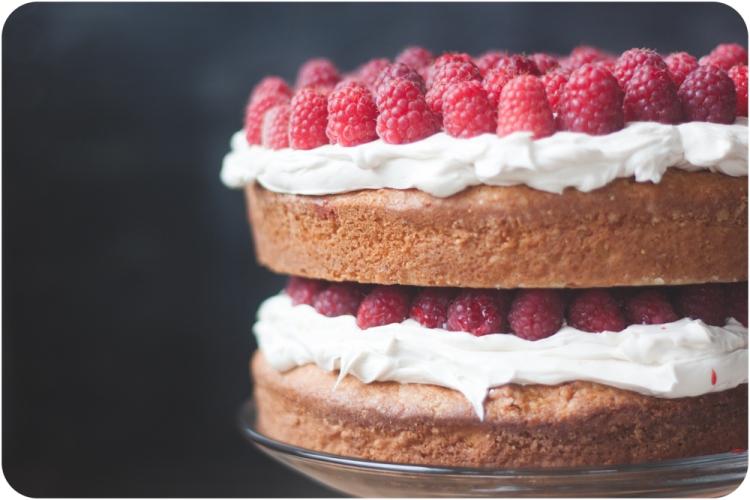 20140627-IMG_7277white cake with raspberries and swiss buttercream
