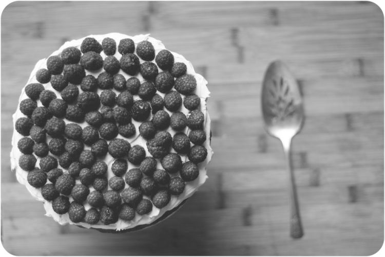 20140627-IMG_7278white cake with raspberries and swiss buttercream